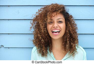 朗らかである, 微笑の 女性, 若い, アフリカ