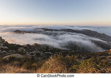 朝, カリフォルニア, ピークに達しなさい, 郡, ロサンゼルス, 岩が多い, 霧