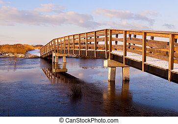 木製の橋, 凍らせられた, によって, 川