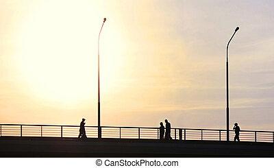 橋, 上に, 交差点