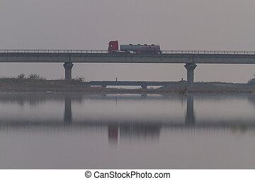 橋, went, トラック, 上に