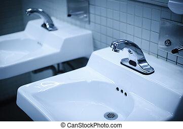 洗面所, 青, 色, 強くされた