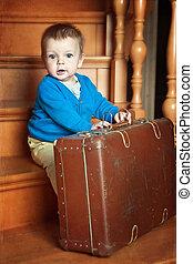 男の子, わずかしか, スーツケース