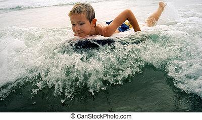 男の子, サーフィン