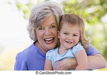 祖母, 微笑, 孫娘