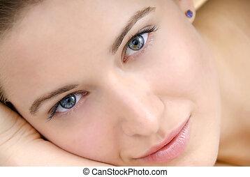 美しい女性, 皮膚