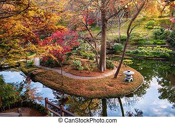 群葉, 秋, 庭の日本人
