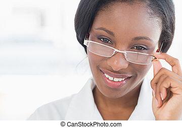 肖像画, 女性の医者, ガラス, 目, クローズアップ