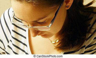 若い, の上, 見る, 。, 終わり, 女の子, ガラス