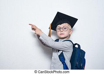 見なさい, board., achievement., 学生, ブロンド, ガラス, コピー, hat., 子供, ショー, 身に着けていること, 男の子, 深刻, スペース