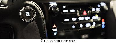 車の 内部