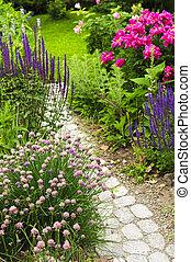道, 庭, 咲く