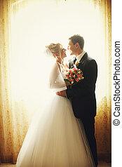 金, カーテン, 花婿, 花嫁, 窓, 立ちなさい, 前部, 微笑, 隠された