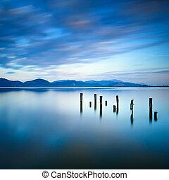 青, ∥あるいは∥, イタリア, 反射, 木製である, 空, 突堤, トスカーナ, 残物, versilia, 日没, water., 桟橋, 湖
