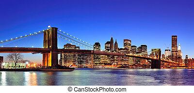 青, 橋, 東, 照らされた, 都市, パノラマ, 上に, 夕闇, brooklyn, マンハッタン, ダウンタウンに, sky., スカイライン, ヨーク, 新しい, 川, ゆとり