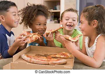 食べること, 若い, 4, 屋内, 微笑, 子供, ピザ