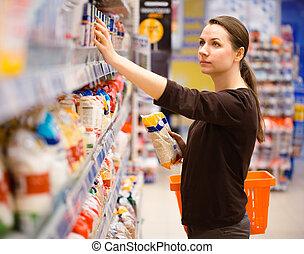 食料雑貨, 女性買い物, 若い, スーパーマーケット, 大部分, シリアル