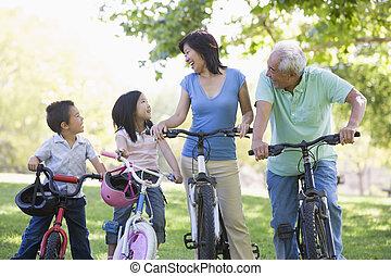 grandchildren., 自転車乗馬, 祖父母