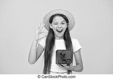 sales., bonus., girl., 十代, 黒, delivery., 夏季休暇, friday., プレゼント, 贈り物, 幸せ, 割引, ジェスチャー, boxes., 誕生日プレゼント, celebration., オーケー, 買い物, 余分, childhood., 速い